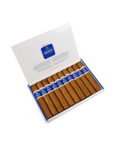 Dunhill Aged Dominican Gigante