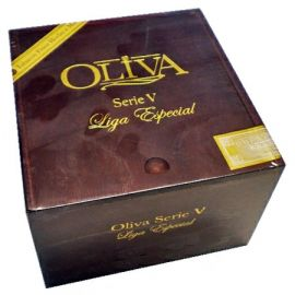 Oliva Serie V Churchill Extra NATURAL box of 24