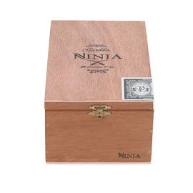 Gurkha Ninja Knife-robusto MADURO box of 20
